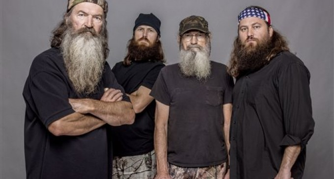 Free Speech Battle: Duck Dynasty's Phil Robertson Suspended, Fans Unite