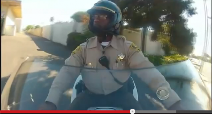 Video: Cop Shows How To Conduct Oneself As A Police Officer