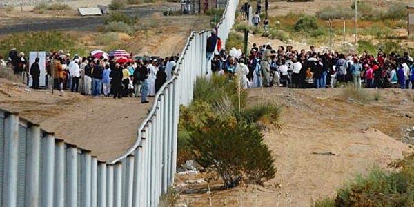 Illegals cut 9,287 holes in Obama-era border fence |Obamas Border Fence