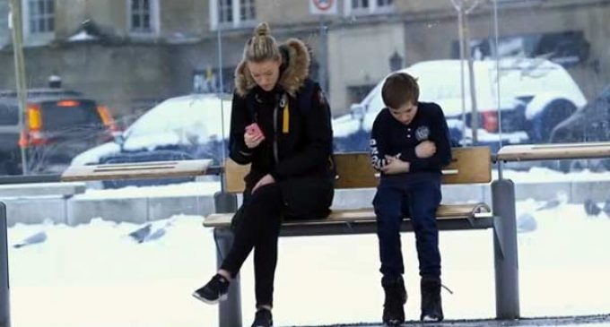 Heartwarming: Chilly Johannes Helps Kids in Syria