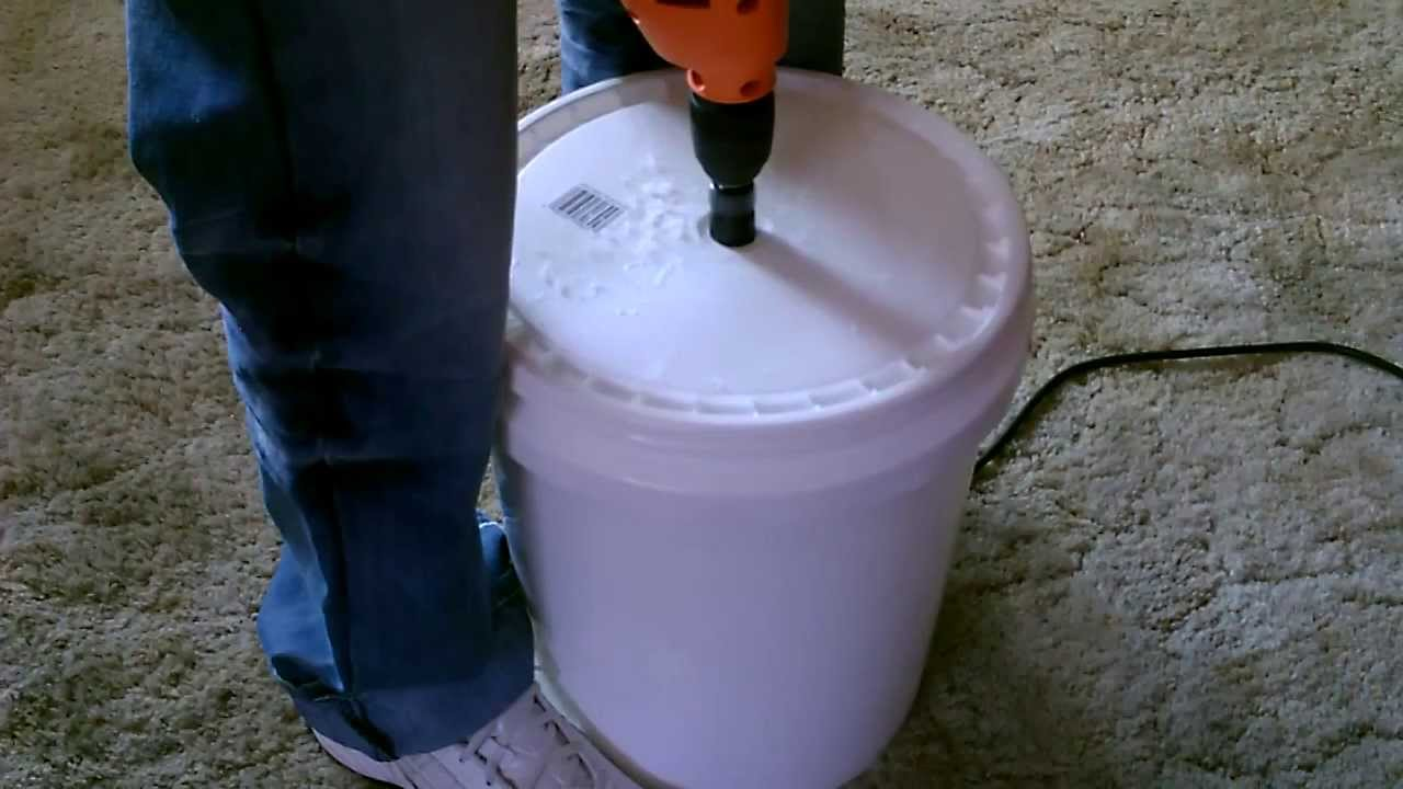 Super Simple Self Sufficiency 5 Gallon Clothes Washer